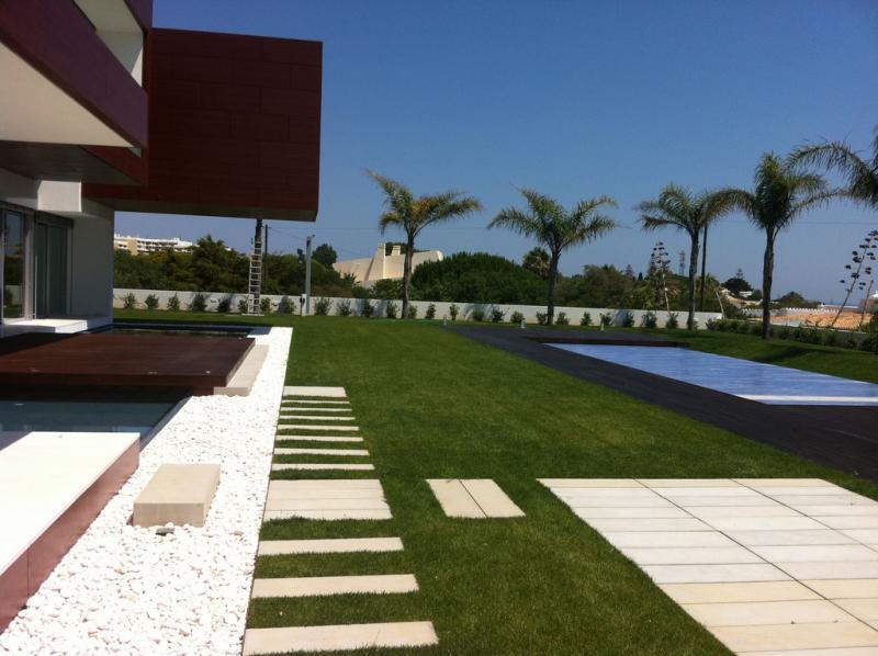 Private by amop casa e jardim mobili rio de jardim decora o de exteriores moradia - Mobiliario de exteriores ...